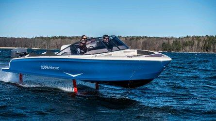 Candela Seven: Electric Hydrofoil Boat With 'Jet Fighter-Like Performance'