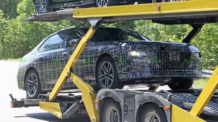 BMW 7 Series EV, Which Might Be Called i7, Spotted Under Camouflage