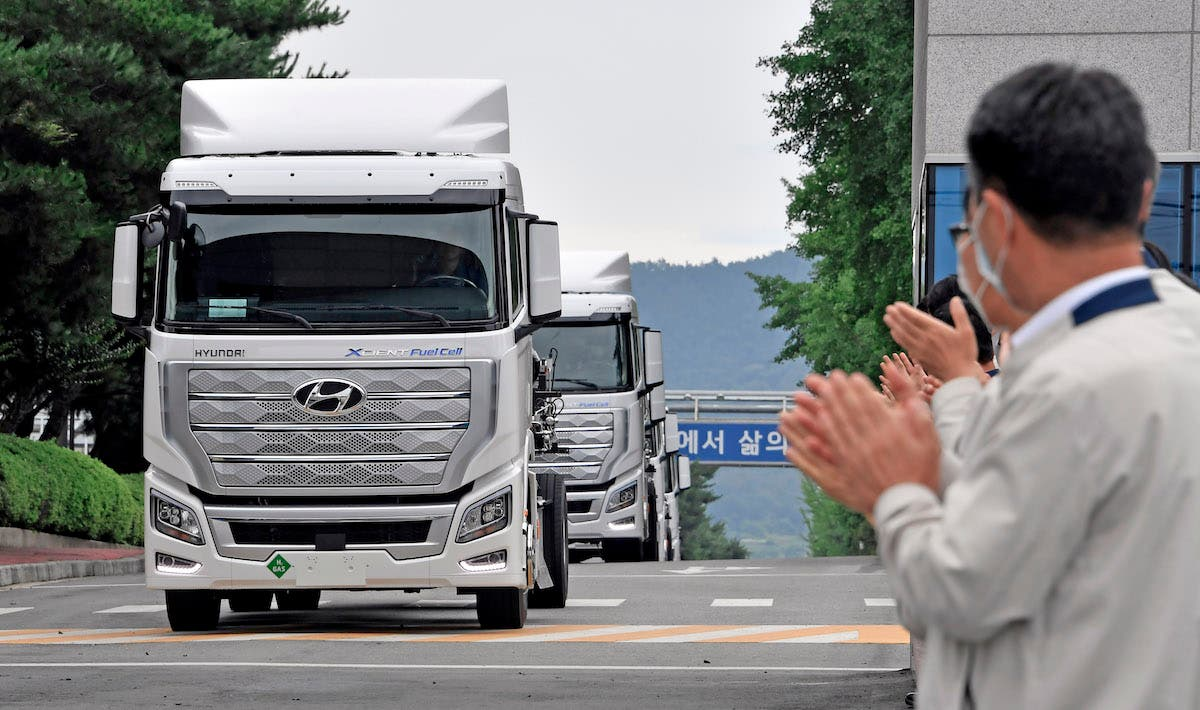 In A World First, Hyundai Fuel Cell Semis Ship To Customers