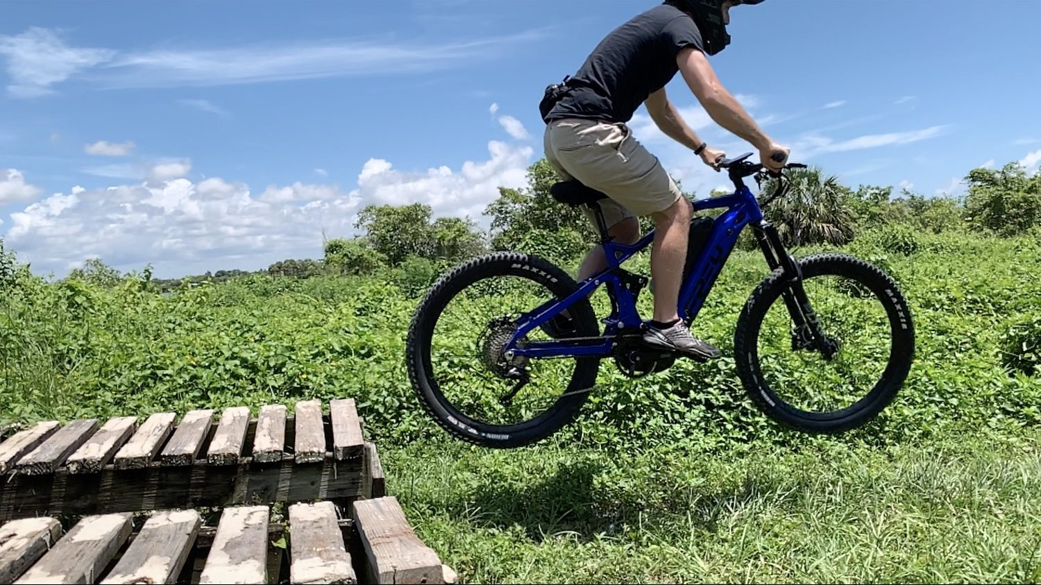 Yes, electric bikes give you a workout (even the crazy 1,500W e-bikes)