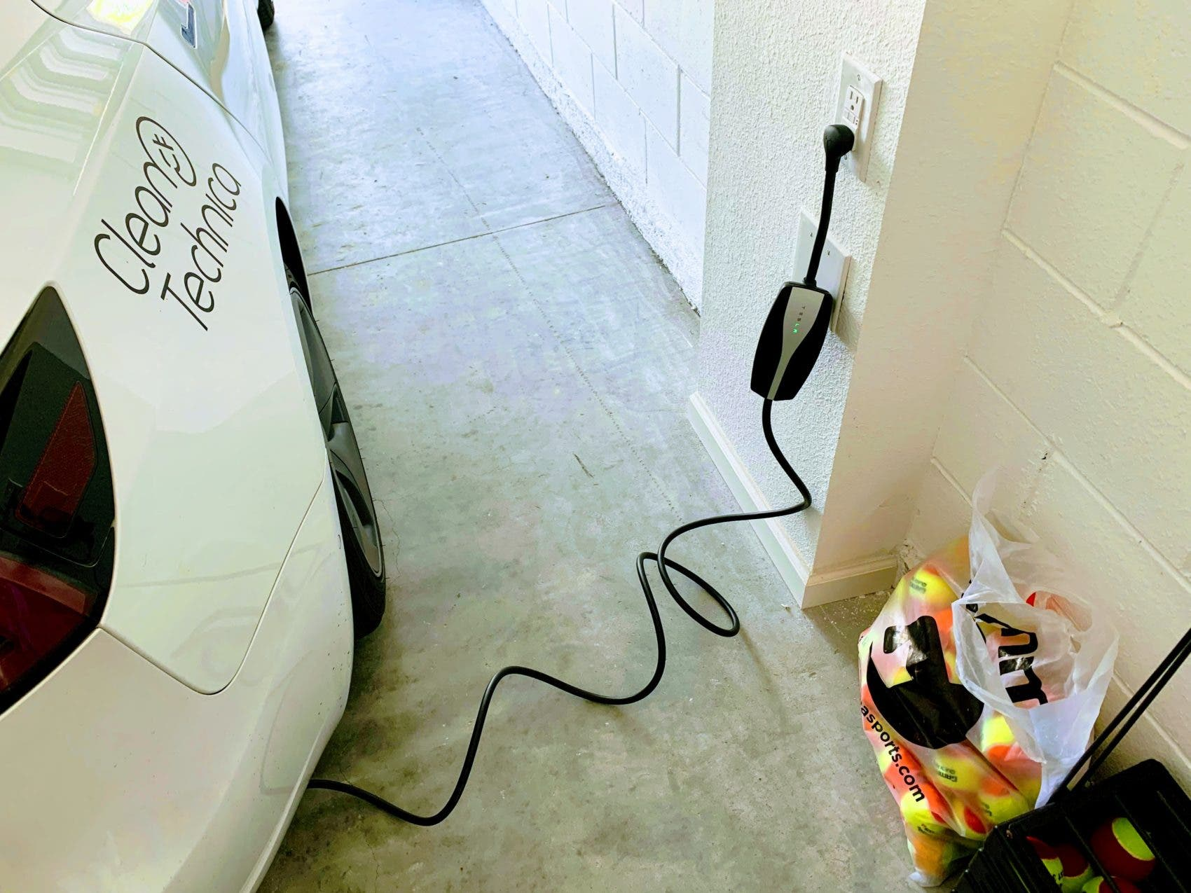 How Long Does It Take To Charge An Electric Car? A Few Seconds
